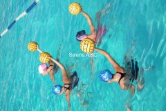 2011 women\'s waterpolo training